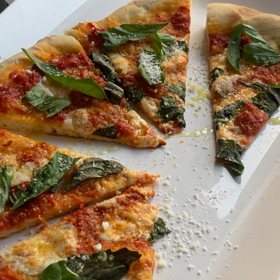 homemade neopolitan style margherita pizza